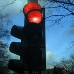赤信号、みんなで…