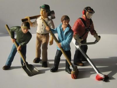 IMAGE: A new broom sweeps clean. [New brooms sweep clean.]