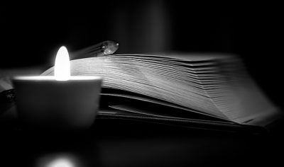 IMAGE: Nobody reads a mystery to get to the middle. They read it to get to the end. If it's a letdown, they won't buy anymore. The first page sells that book. The last page sells your next book.